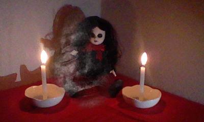 女の子人形心霊写真1