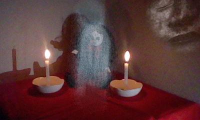 女の子人形心霊写真2
